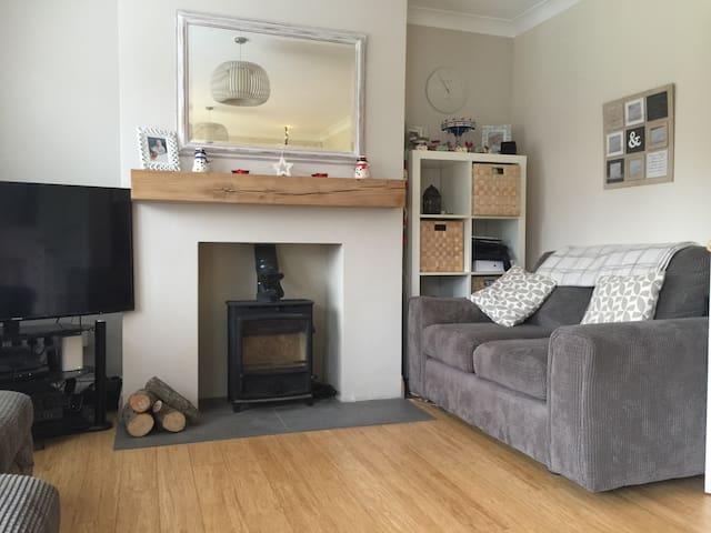 Clean & tidy dbl room near Brighton - Keymer - Haus