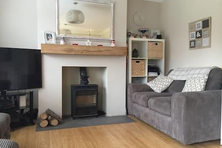 Clean & tidy dbl room near Brighton - Keymer