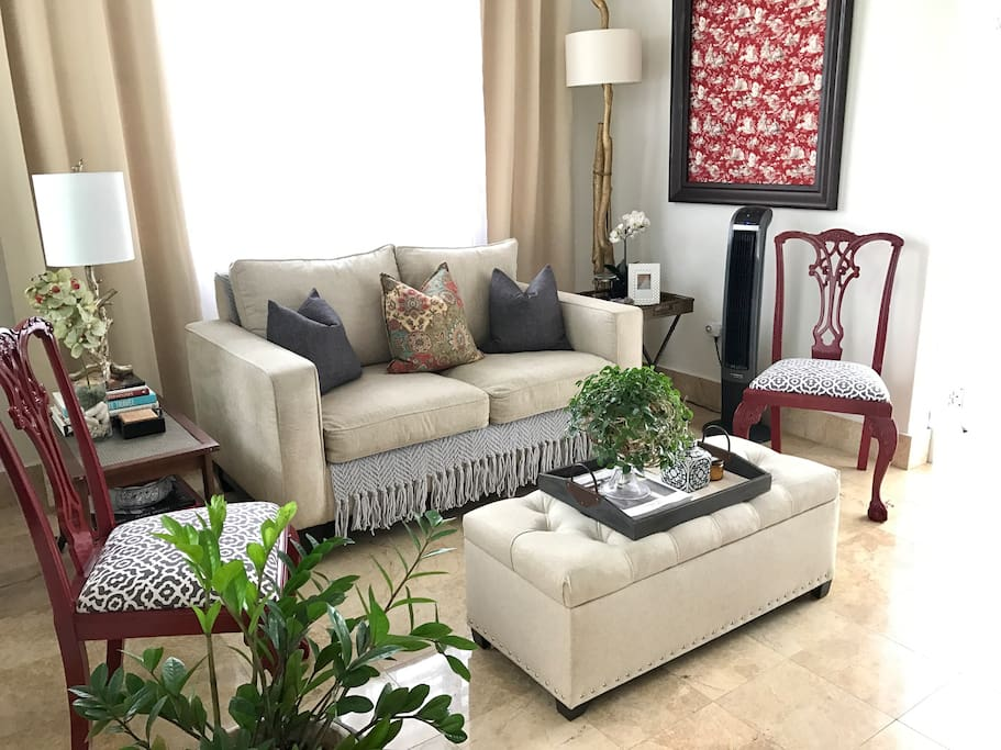 """LIVING ROOM """"Paul is an amazingly accommodating host who exceeded our expectations in every way: room & board, amenities, company, and recommendations given."""" -Kayleah 01.16"""