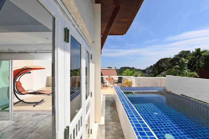 Seaview with a private pool - HONEYMOON sunshine