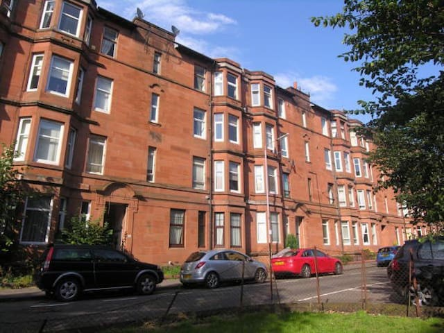 Charming 1 Bed Apartment - Glasgow
