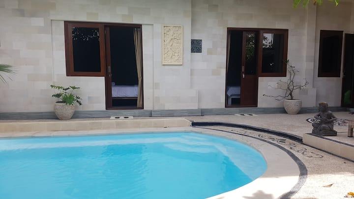 2 Deluxe rooms of 5 apartment in Studio Villa Bali