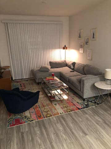 Beautiful and accessible Midtown apartment