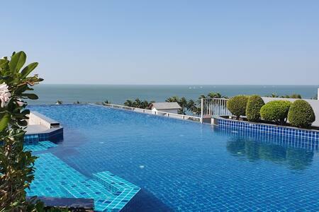 Luxury see view room, high floor at BANGSAEN