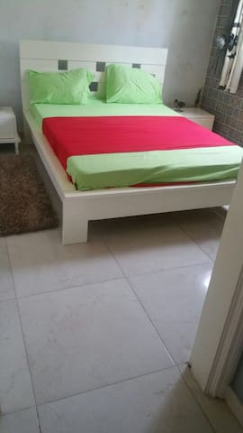 Modern Apartment 10 Mins from airport