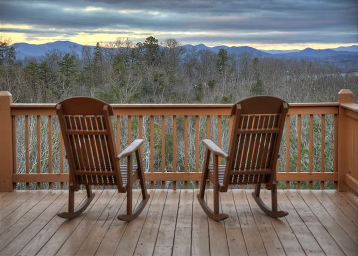 NEW! WAS $265, TOP OF MTN, LAKE BR ACCESS, FIREPIT