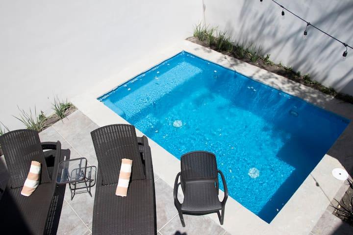 Double Room #4 Playa Azul (3 personas)