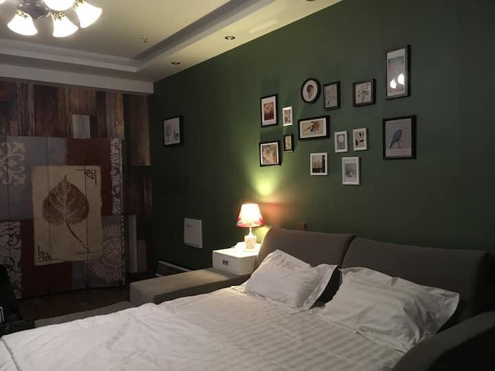 国购广场/遇见·你/双人电竞公寓1(大床房)
