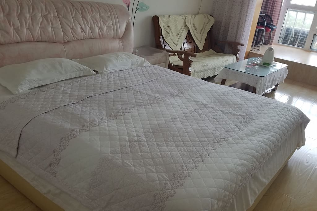 2米真皮大床