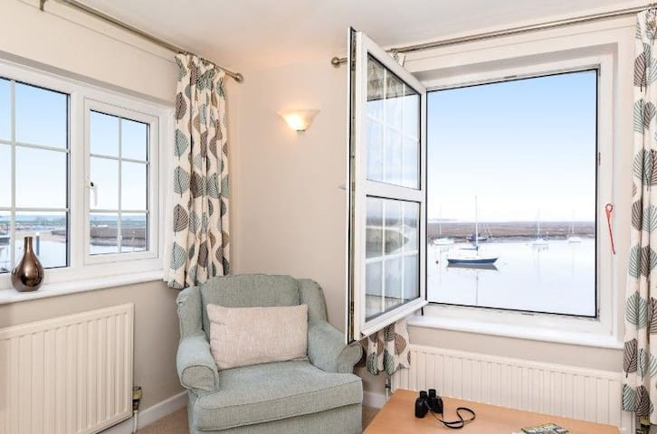 Sitting room with view