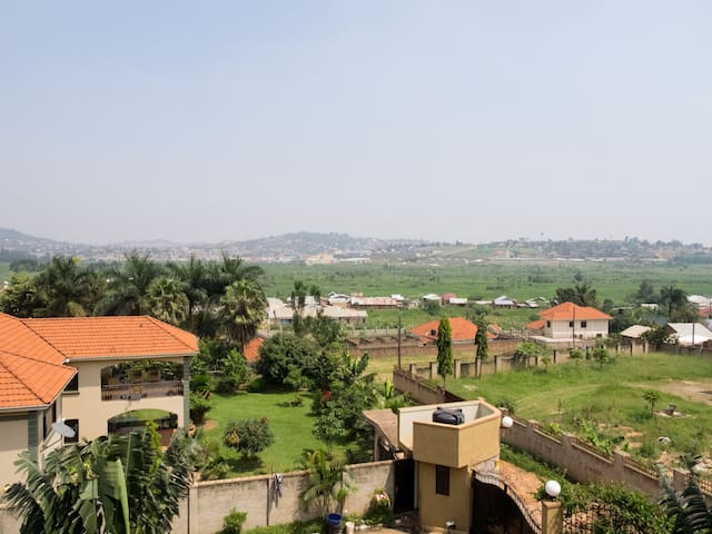 FLAT/ROOM IN MUYENGA KAMPALA - Kampala - Apartament