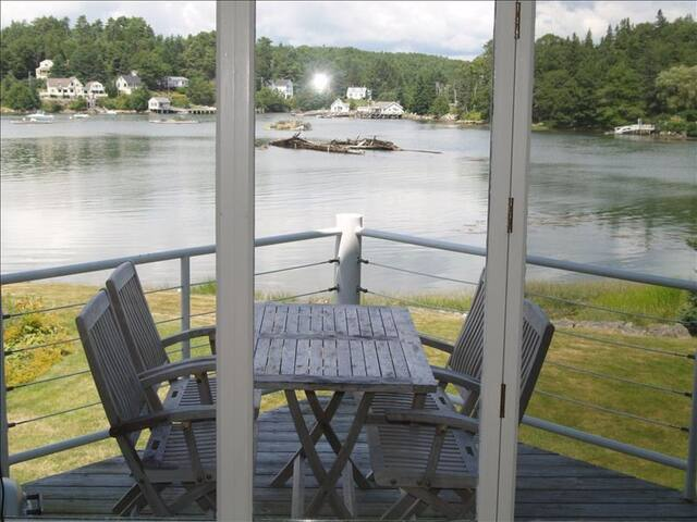 Beautiful home on the edge of Boothbay Harbor cove