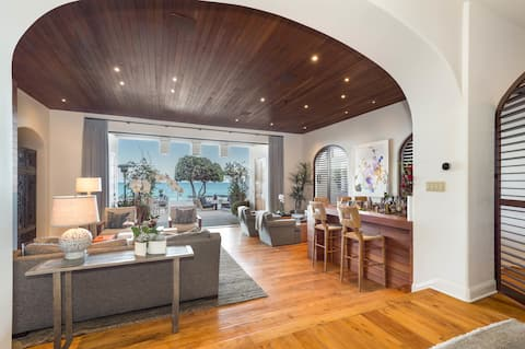 Elegance at the Beach by stayLA Luxury Rentals