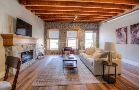 Beautiful Loft Style Apartment Downtown  Galt