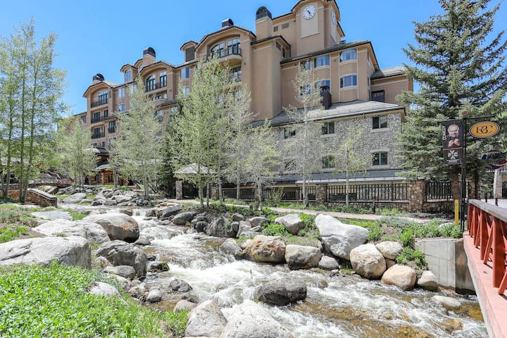 Luxury Retreat Steps from Centennial Express Lift