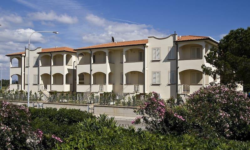 Appartamento con 2 camera da letto al mare - Mazzanta - Appartement