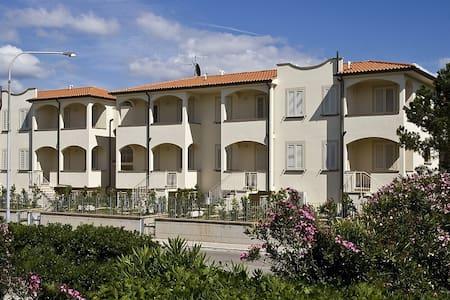 Appartamento con 2 camera da letto al mare - Mazzanta - 公寓