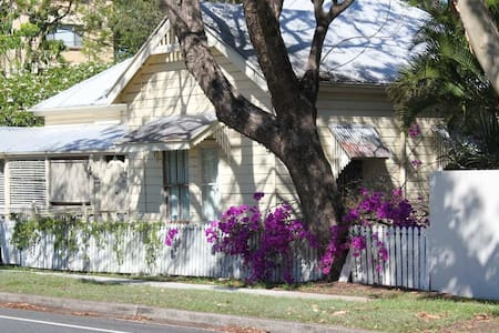 Heritage home in Indooroopilly - Indooroopilly - Haus