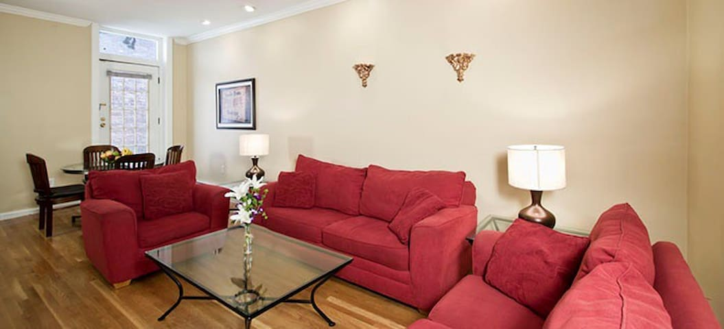 Heart of Newbury Two Bedroom Grand Apartment - Boston - Apartment