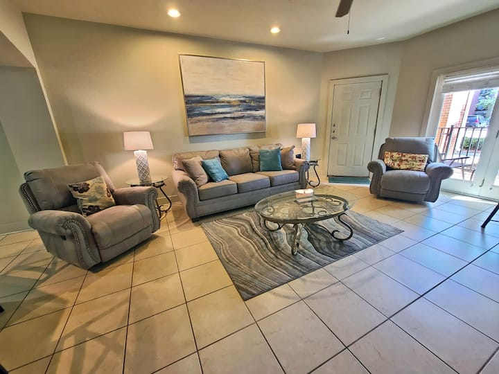 One Club 3701 - Come Golf at One Club!  Cozy Condo with Free Wi-Fi Located on a Gated Golf Course!