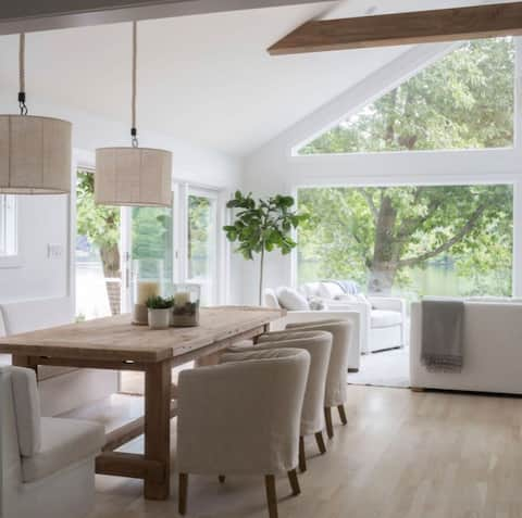 Candlewood Lake Waterfront Home  (30+ day rental)