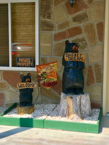 Welcome Bears at main entrance
