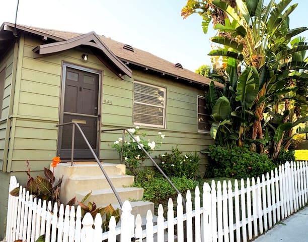 Classic entire  private home in the heart of WeHO!