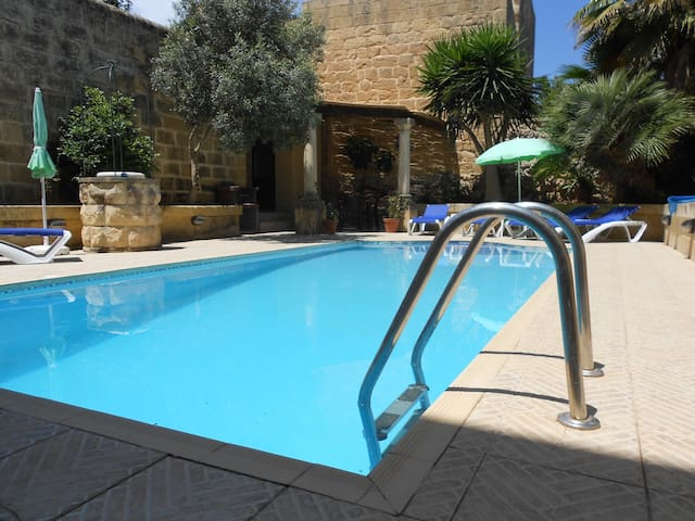Ta Kolina - house with own pool - In-Nadur - Huis