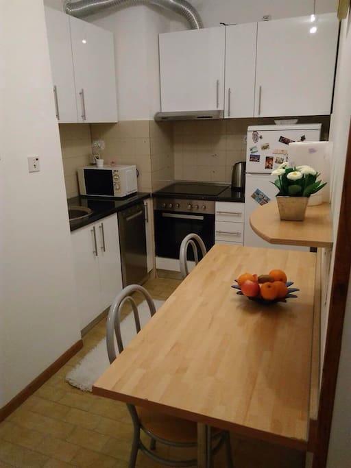 comfort and modern equipt kitchen ( dish machine, microwave,cooker, fridge)