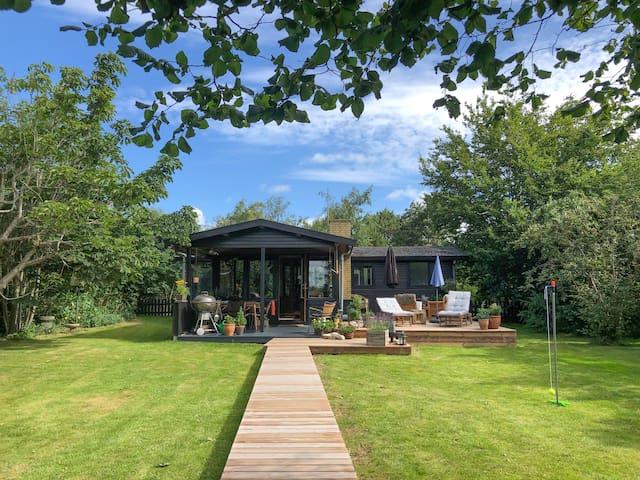 Wonderful summerhouse at Reersø