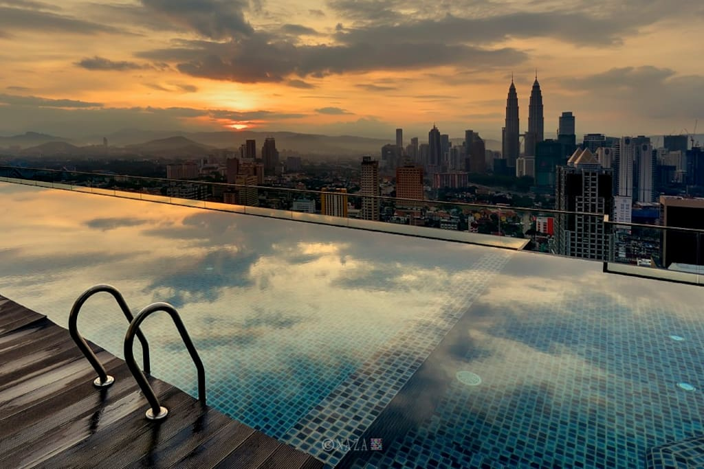 Sunset view from the 37th infinity pool!