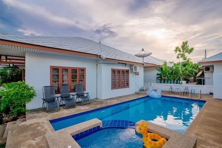 Baan Phutawan - Budget Priced Pool Villa with BBQ