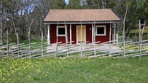 The cottage Lägerplatsen on the island Sävö