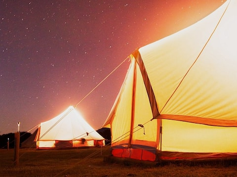 Glamping Bell tent w/ power, king and elec blanket