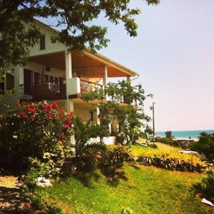 La casa de  Playa a 10 min de Montañita