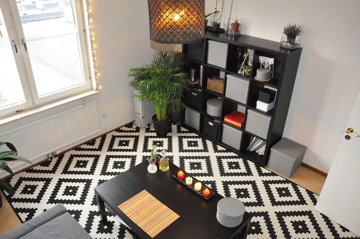 Conveniently located studio flat - Solna - Apartment