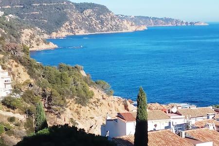 Gran Terraza con vistas al Mar y Montaña