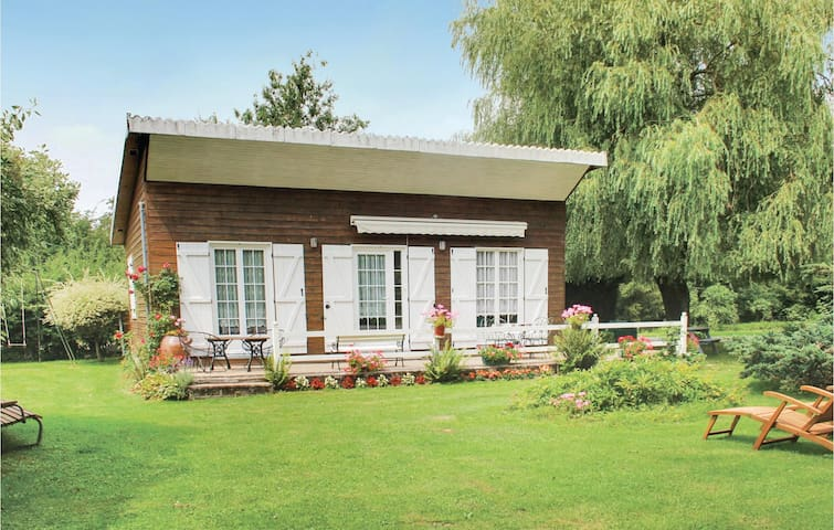 Holiday cottage with 2 bedrooms on 50m² in Dimont