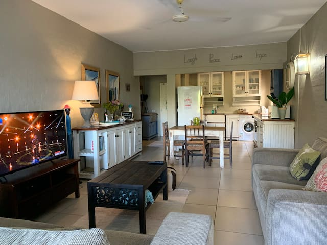 Open plan living area, cosy, comfortable coastal style
