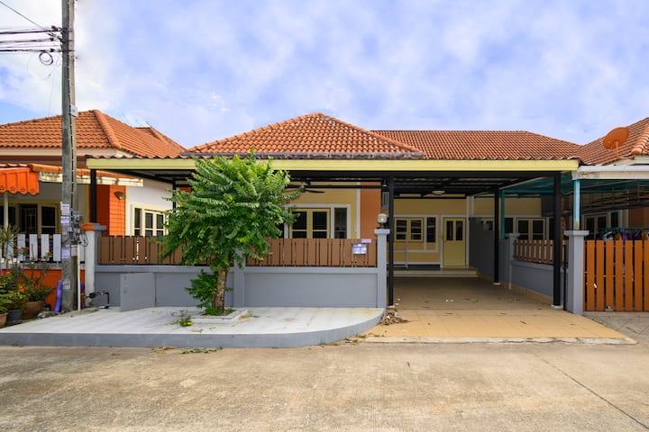 Family House @ Phuket w/high speed WIFI