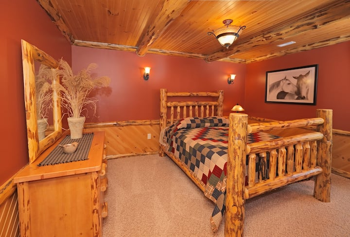 Deluxe Lodge Suite 204