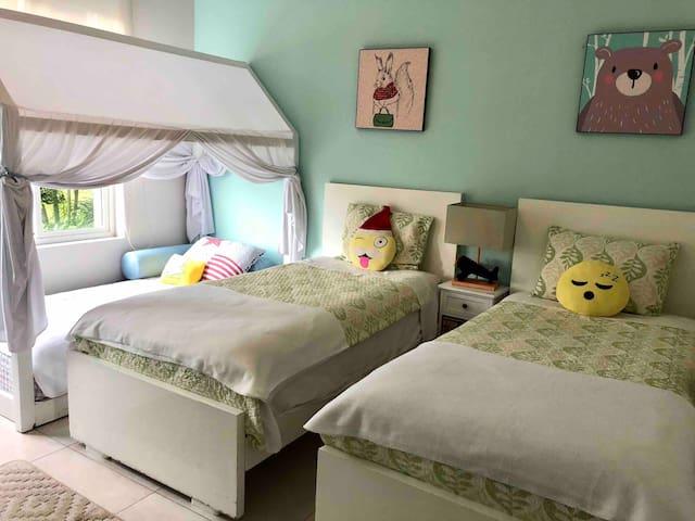 Habitación 3 puestos 3 camas de 1 plaza