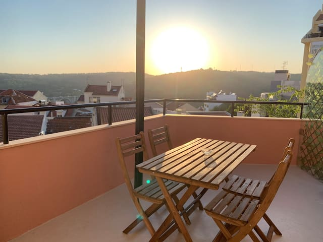 Apartment3 with terrace and a view near Amoreiras