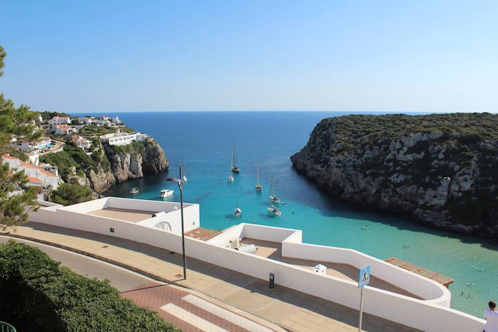 Sea views and largest private pool in Calan Porter