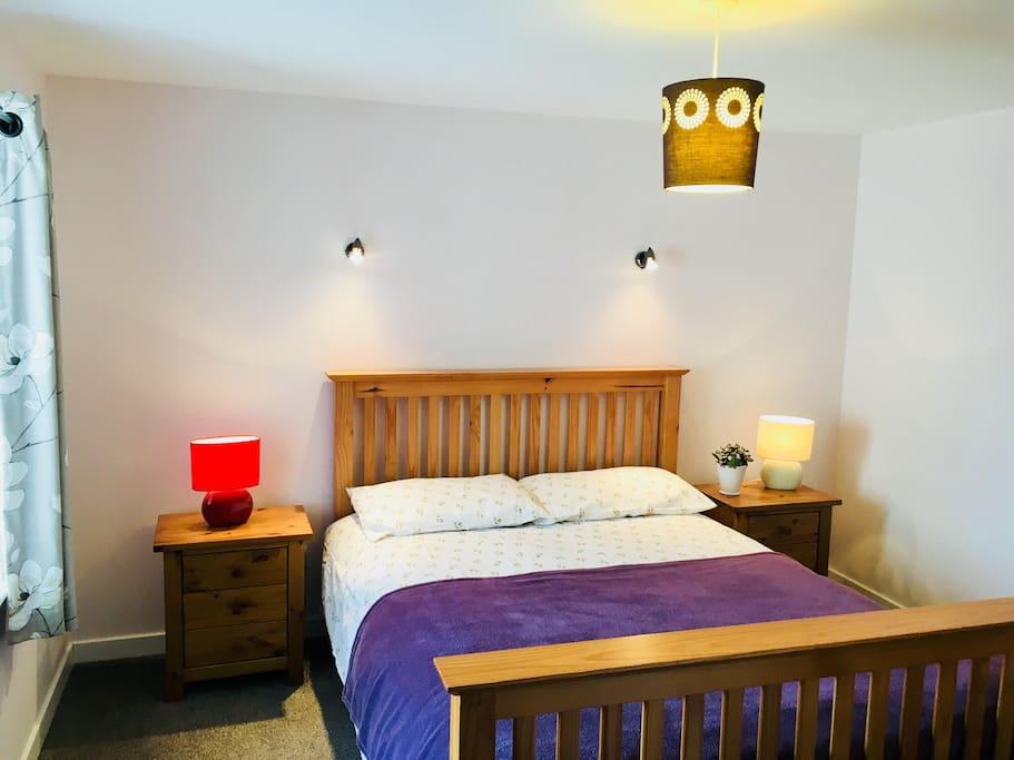 Ground floor bedroom (bedroom 1)
