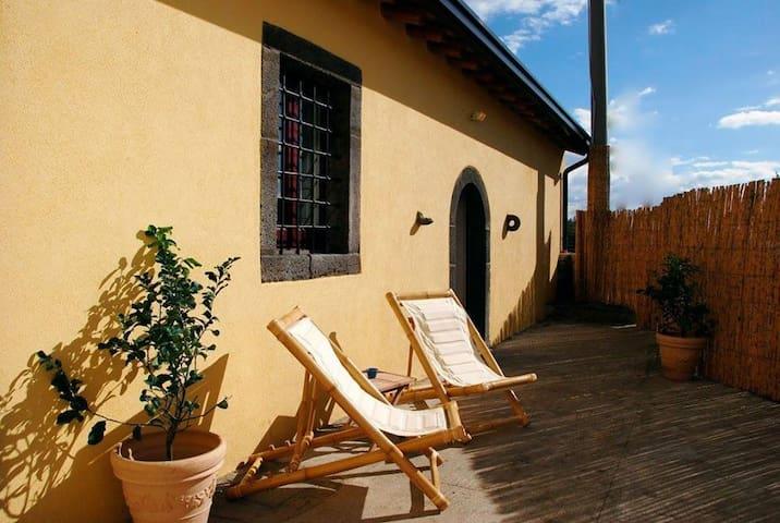 Villa Alloro, indipendente con giardino privato