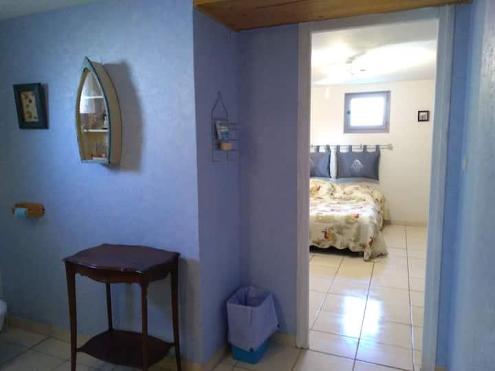 Chambre salle de bain privée au pied du beaujolais