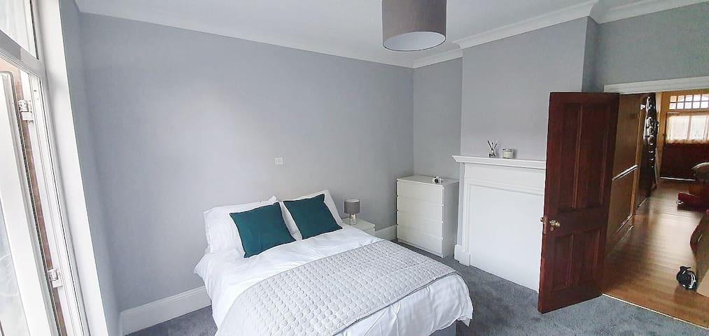 Beautiful Double Room in the Croydon Area