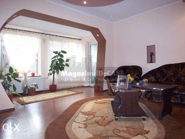 3 Rooms for rent inside a house - Constanța - Dům
