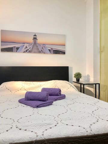 Room for 3 persons near Pl.Espana